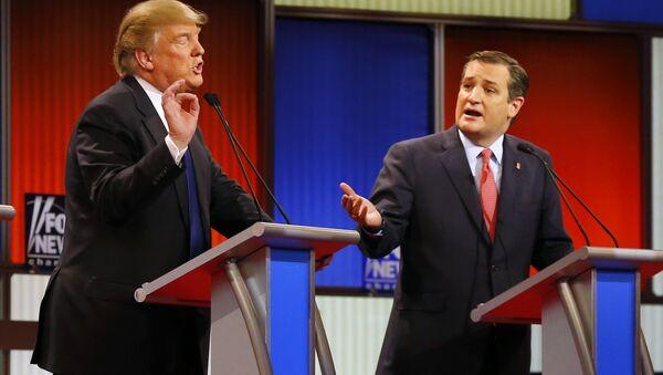 Republican presidential candidates, businessman Donald Trump and Republican presidential candidate, Sen. Ted Cruz, R-Texas, argue a point during a Republican presidential primary debate at Fox Theatre, Thursday, March 3, 2016, in Detroit. - Sputnik Italia