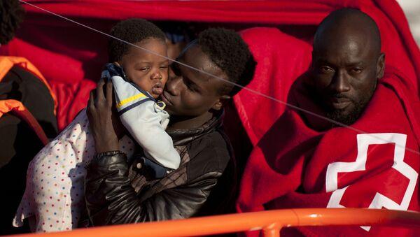 Migranti in Spagna - Sputnik Italia