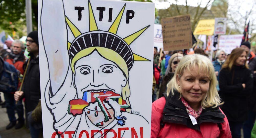 Manifestazione ad Hannover contro TTIP (foto d'archivio)