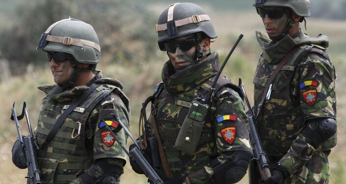 I soldati della Nato durante le esercitazioni in Giorgia
