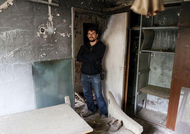 Come 30 anni fa: cittadini di Pripyat tornano nelle loro case.