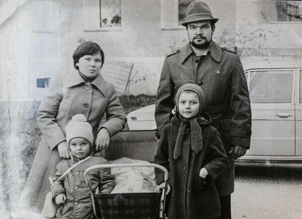 Come 30 anni fa: cittadini di Pripyat tornano nelle loro case. - Sputnik Italia