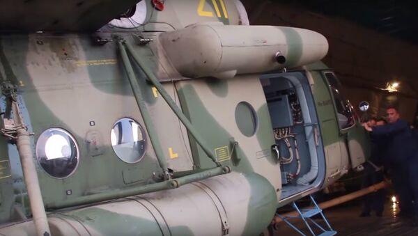Elicotteri russi arrivano in Tagikistan - Sputnik Italia