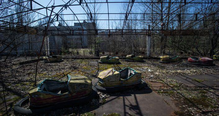 I resti di un parco giochi a Pripyat