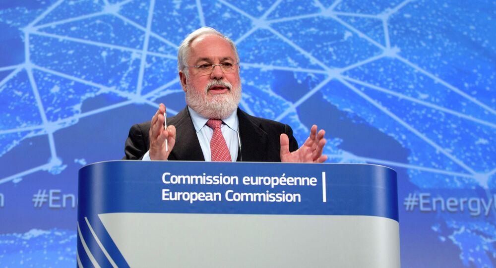 Il commissario europeo per clima e energia Miguel Arias Canete