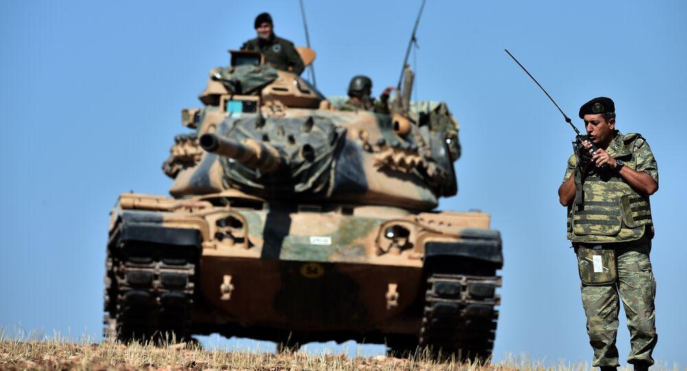 Soldati turchi al confine con la Siria