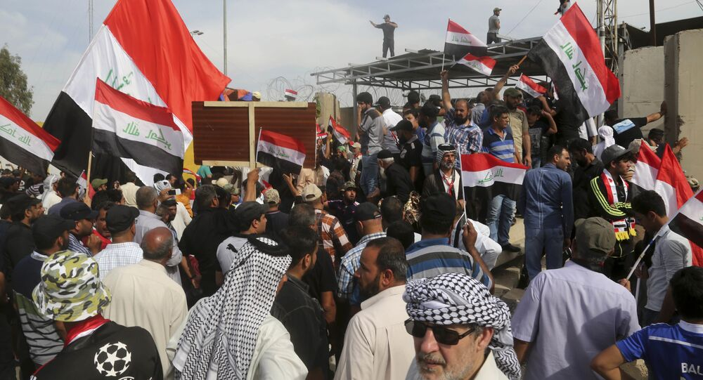 Sostenitori di Muqtada al-Sadr a Baghdad