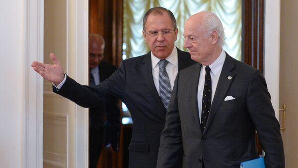 Sergey Lavrov e Staffan de Mistura a Mosca (Siria) - Sputnik Italia
