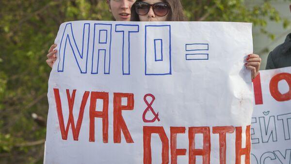 Manifestanti in Moldavia anti-NATO e anti-USA - Sputnik Italia