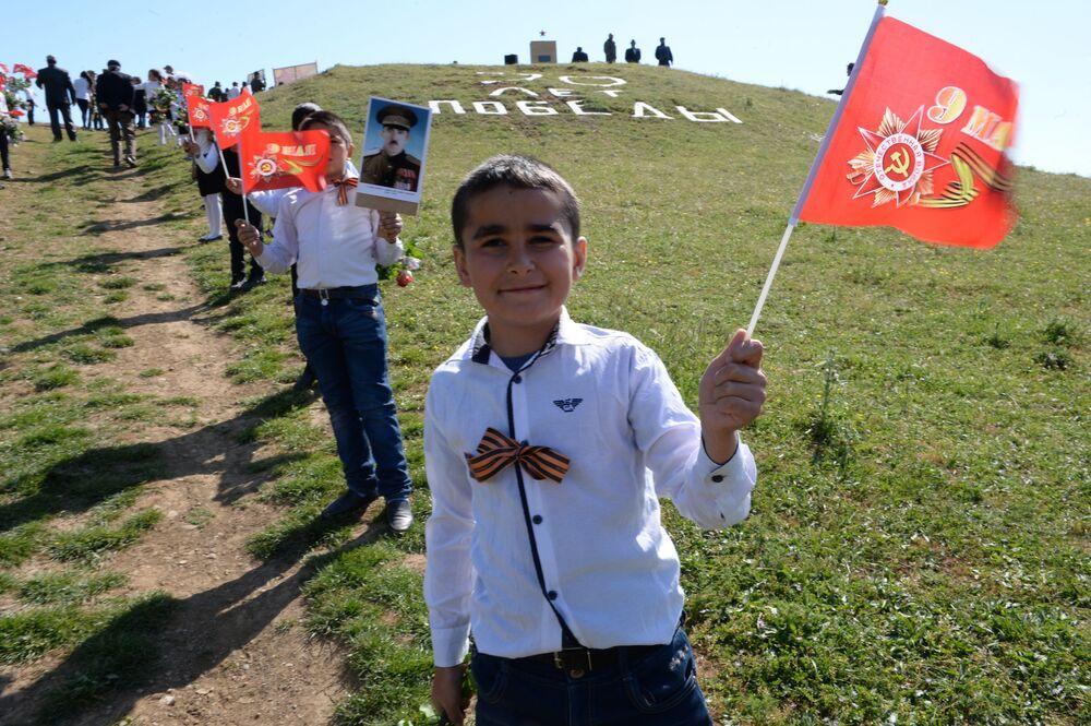 La manifestazione Bessmertny Polk in Daghestan.