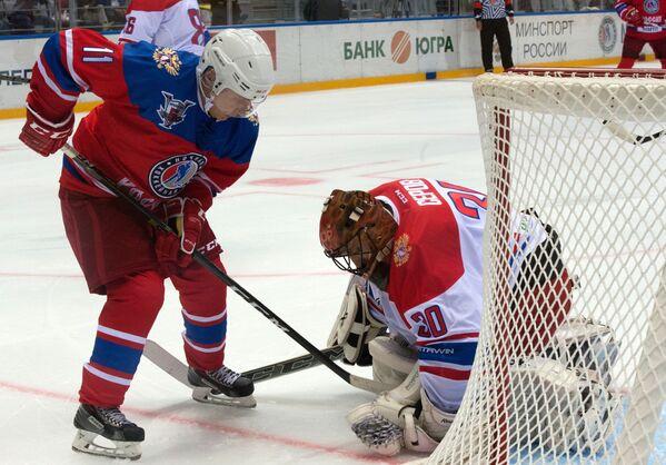 Putin hockeysta per una sera - Sputnik Italia