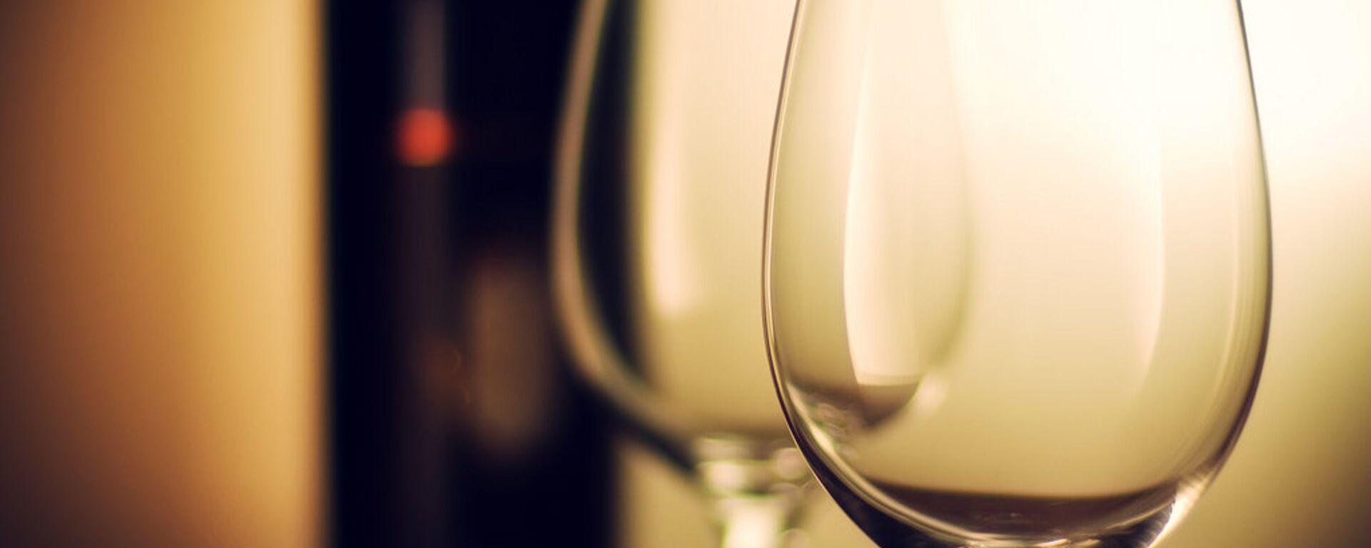 Una bottiglia di vino - Sputnik Italia, 1920, 01.02.2021