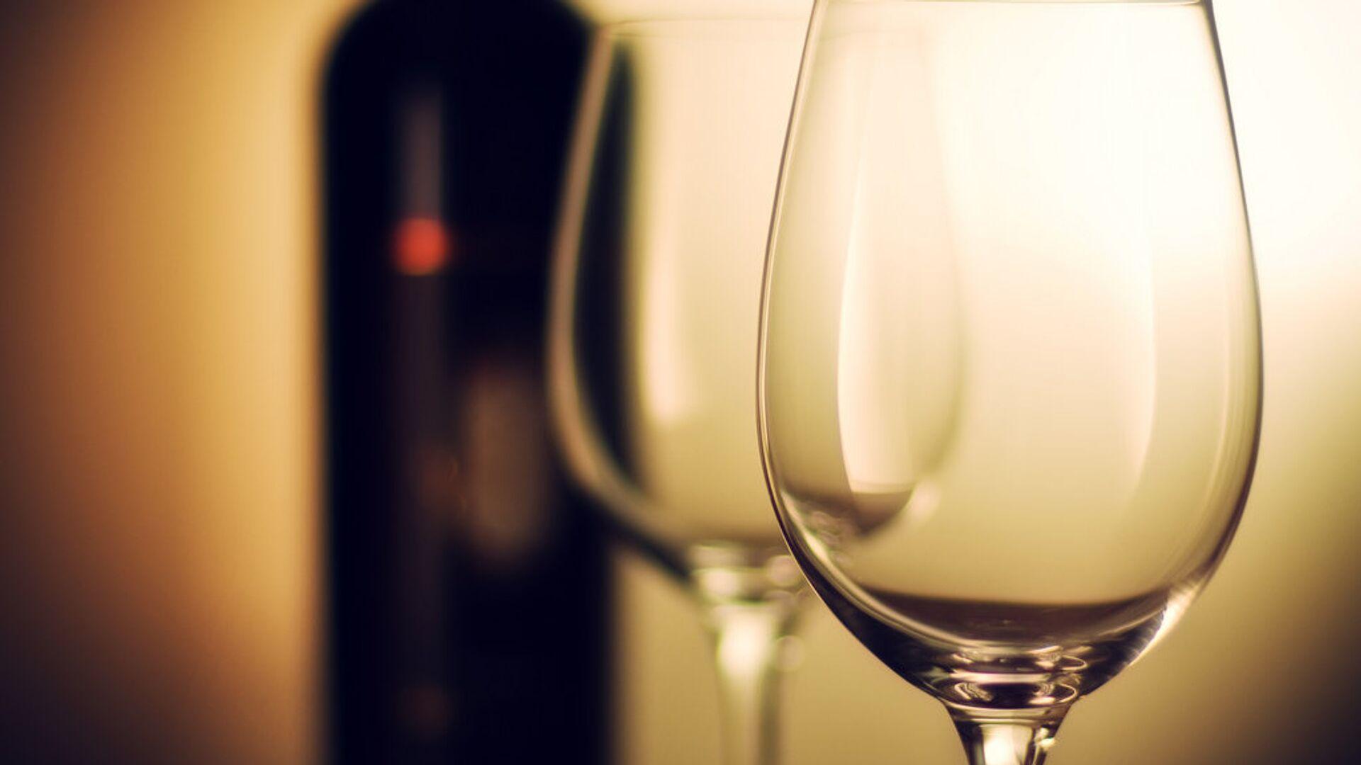 Una bottiglia di vino - Sputnik Italia, 1920, 07.06.2021