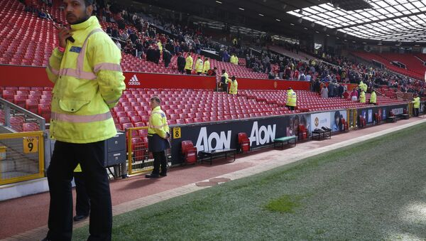 Britain Soccer Football - Manchester United v AFC Bournemouth - Barclays Premier League - Old Trafford - 15/5/16 General view as the match is abandoned - Sputnik Italia