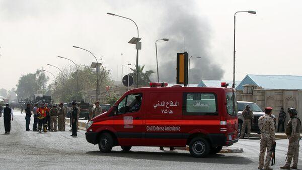 Ambulanza al luogo di un'esplosione a Baghdad - Sputnik Italia
