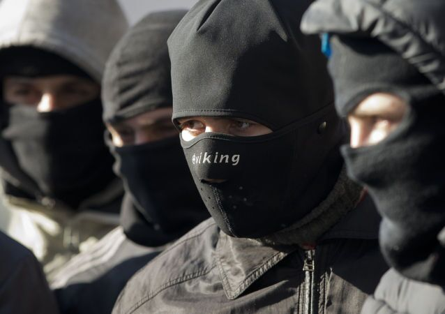 I membri del gruppo radicale ucraino Pravy sektor  (Settore destro)