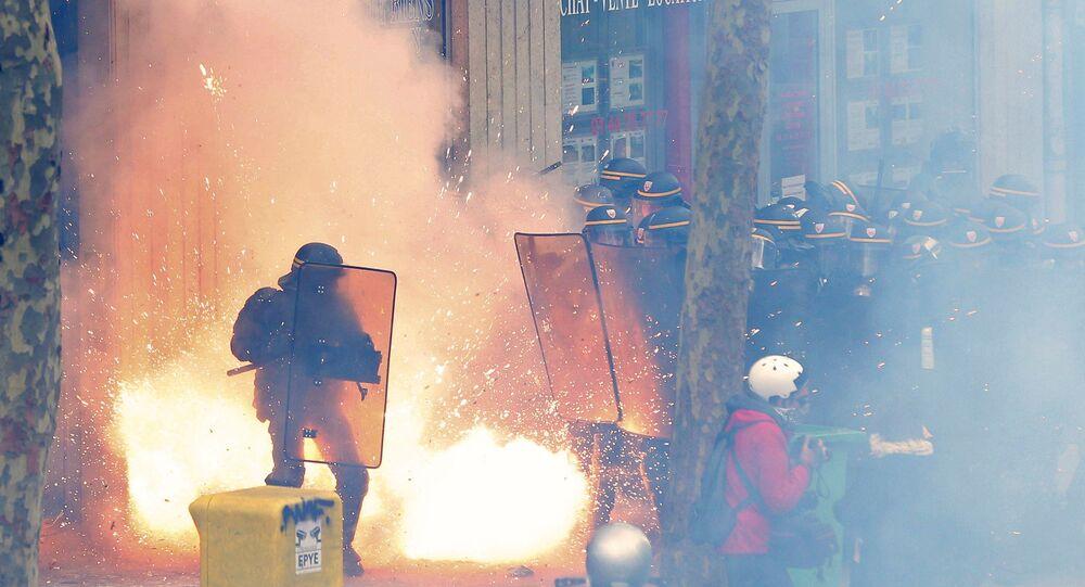 Manifestazioni contro la nuova legge di lavoro a Parigi