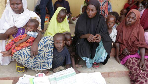 Donne e bambini liberati dai militari nigeriani da Boko Haram - Sputnik Italia