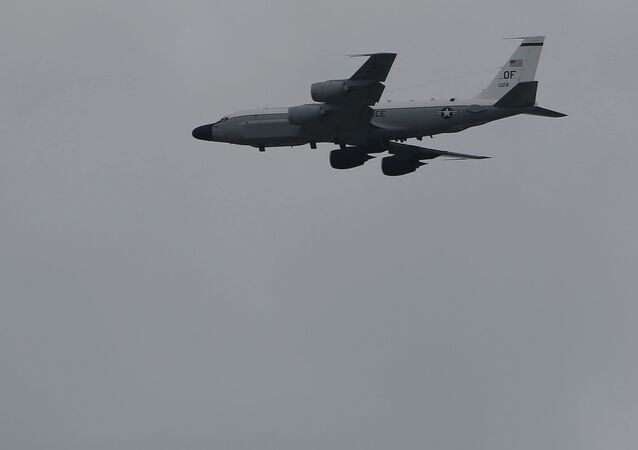 Aereo-spia USA RC-135S (foto d'archivio)