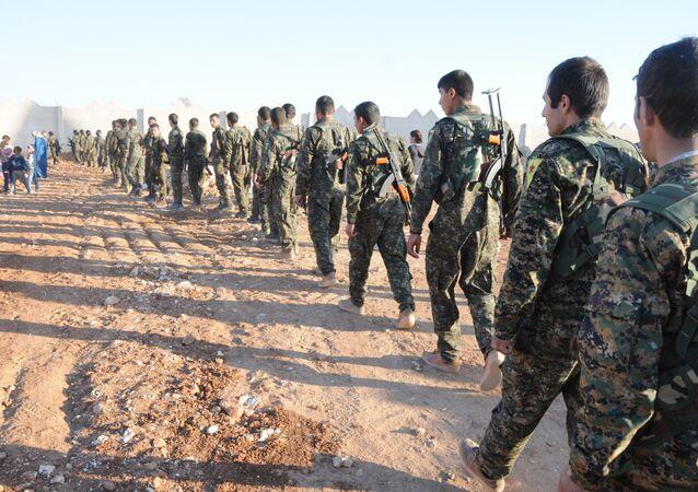 Militari siriani in Raqqa