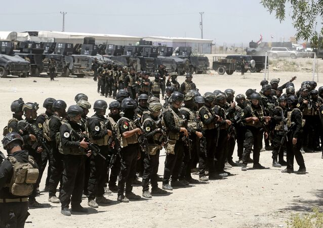 Forze speciali irachene alla periferia di Fallujah