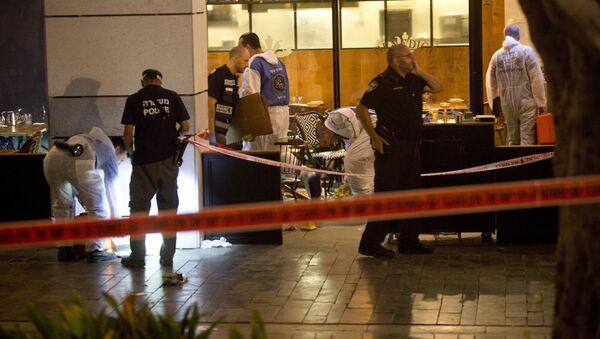 Polizia israeliana sul luogo dell'attentato a Tel Aviv - Sputnik Italia