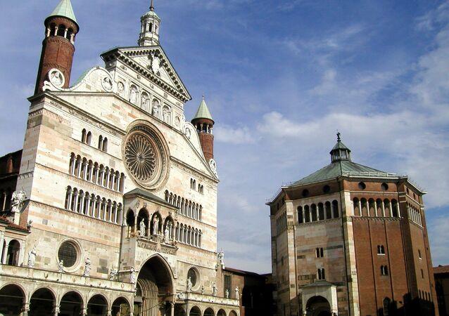 Un battistero a Cremona, Lombardia