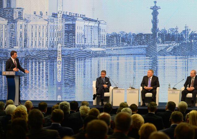 L'intervento di Matteo Renzi al forum di San Pietroburgo
