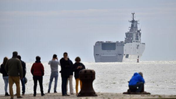 La portaelicotteri Gamal Abd el-Nasser lascia il porto di Saint Nazaire (Francia) diretta in Egitto. - Sputnik Italia