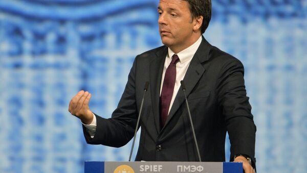 Matteo Renzi parla al forum economico internazionale Spief 2016 a San Pietroburgo - Sputnik Italia
