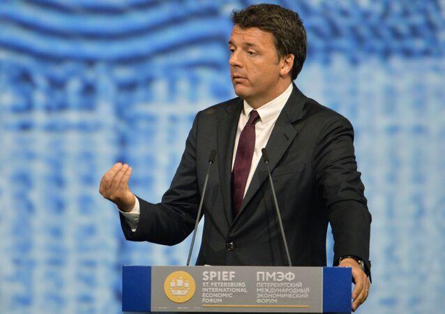 Matteo Renzi parla al forum economico internazionale Spief 2016 a San Pietroburgo