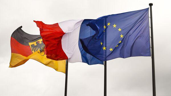 Флаги Германии, Франции и Евросоюза - Sputnik Italia