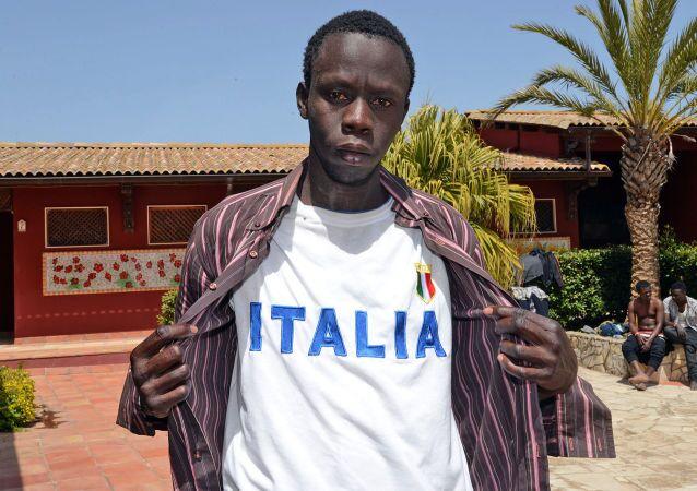 ragazzo libico nel centro di accoglienza Palazzolo Acreide