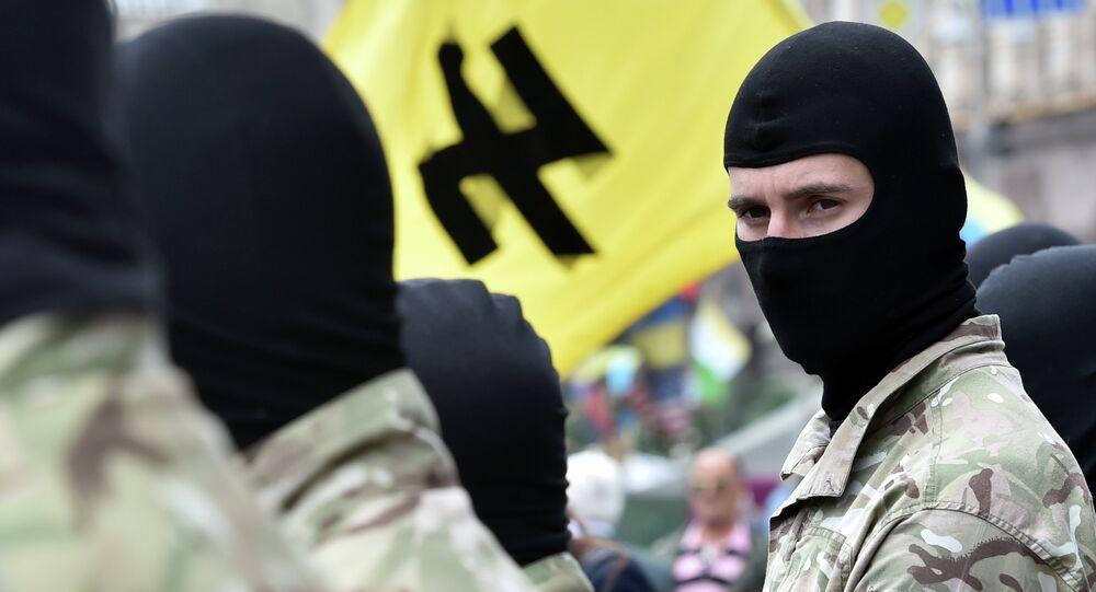 Militanti del movimento neonazista ucraino Pravy Sektor