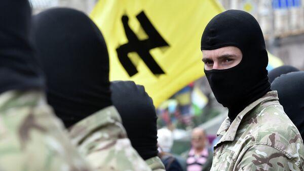 Militanti del movimento neonazista ucraino Pravy Sektor - Sputnik Italia
