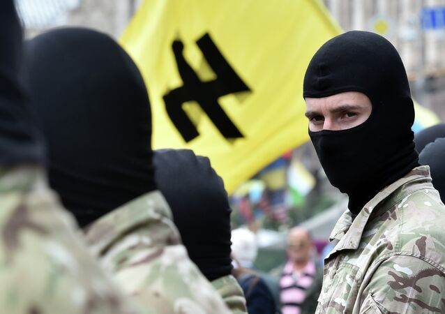 Paramilitari del movimento ultranazionalista ucraino Pravy Sektor