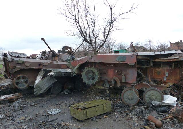 Reportage dall'aeroporto di Donetsk e dal villaggio Zhabunki
