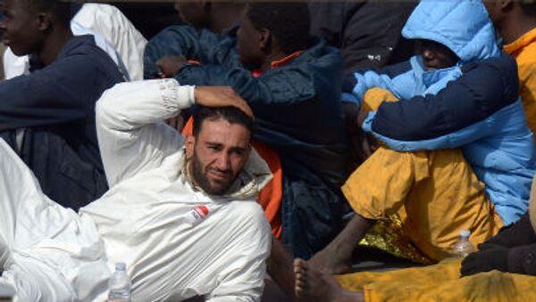 I flussi migratori  da Grecia e Turchia attraversano Macedonia, nel tentativo di entrare in Serbia e successivamente raggiungere l'Ungheria, e gli altri paesi dell'UE. - Sputnik Italia