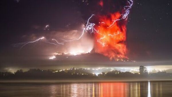 Eruzione del vulcano Calbuco in Cile - Sputnik Italia