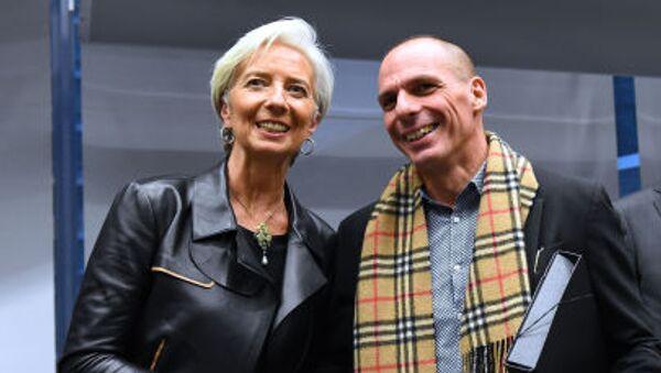 Директор-распорядитель МВФ Кристин Лагард и министр финансов Греции Янис Варуфакис - Sputnik Italia