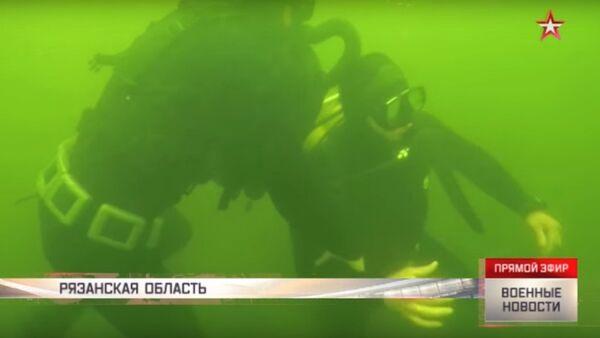 Il corpo a corpo tra i palombari russi - Sputnik Italia