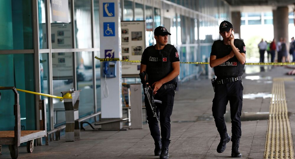 Agenti della polizia turca