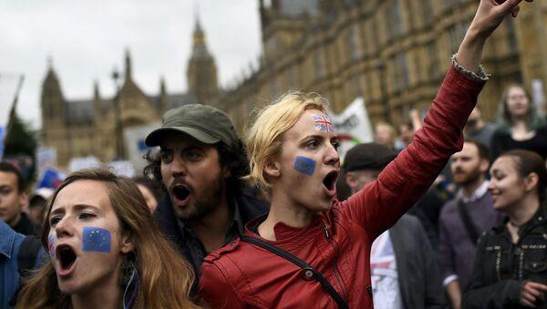 Una protesta a Londra con Brexit - Sputnik Italia