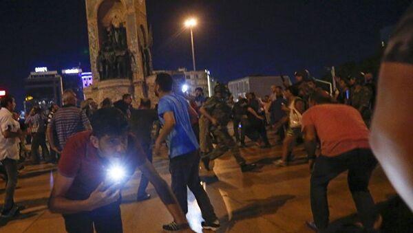 Un momento degli scontri in Turchia - Sputnik Italia