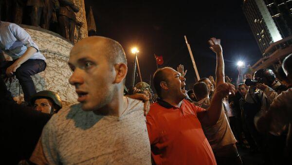 Sostenitori di Erdogan - Sputnik Italia