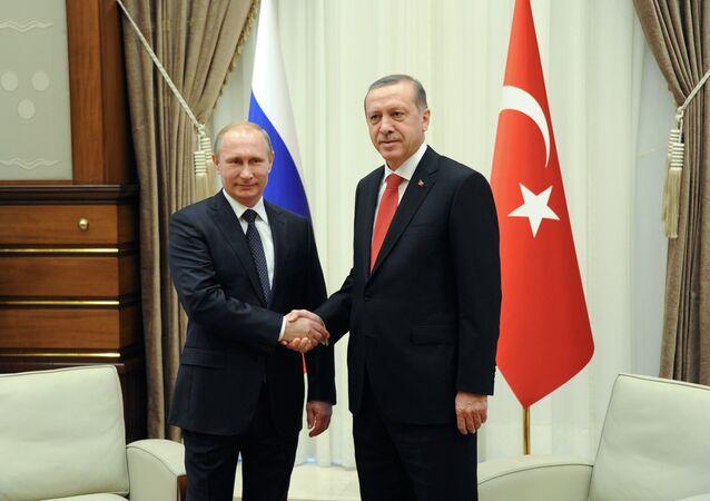 Vladimir Putin e Recep Tayyip Erdogan (foto d'archivio)