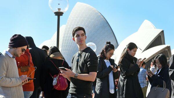 Игроки в Pokemon Go в Австралии - Sputnik Italia