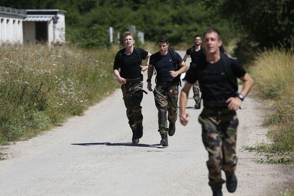 L'addestramento dei riservisti francesi - Sputnik Italia