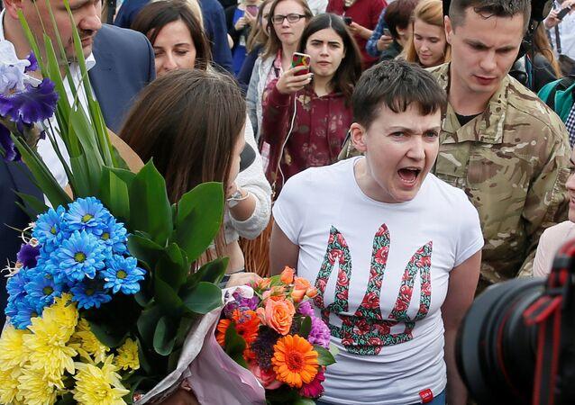 Nadia Savchenko accolta a Kiev dopo la scarcerazione (foto d'archivio)