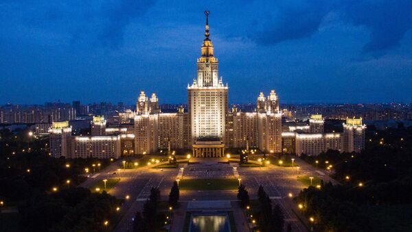 Здание Московского государственного университета имени М.В. Ломоносова в Москве - Sputnik Italia